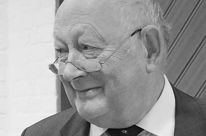 Dr. Ernst-Joachim Büsse